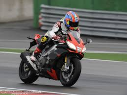 aprilia rsv4 motorcycles wallpapers 2009 aprilia rsv4 factory first ride motorcycle usa