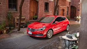 2017 holden astra pricing and specs photos 1 of 7