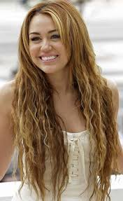 how to style miley cyrus hairstyle miley cyrus hairstyles twiggy curls pretty designs