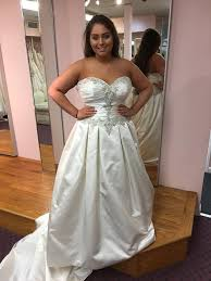 free wedding dresses mass store offering free wedding dresses to jilted alfred angelo