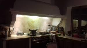 cuisine travertin crédence cuisine en de travertin à st les aubagne