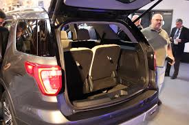 ford explorer trunk space 2016 ford explorer look motor trend
