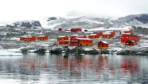 who lives in antarctica the antarctic population