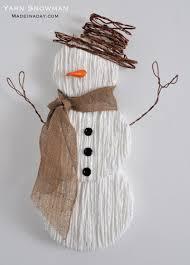 cute yarn snowman wall art snowman yarns and tutorials