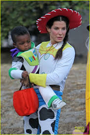 sandra bullock u0026 louis u0027toy story u0027 halloween duo photo 2749130