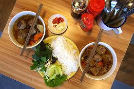 hanoi cuisine obama eats out in hanoi 6 must try food and