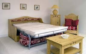 canapé montagne mobilier d hébergement nos meubles sur mesure d armoire ou meuble lit
