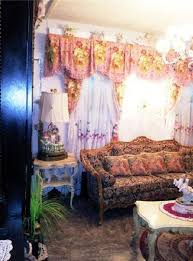 hildi santo tomas designs the 5 most wtf room makeovers hildi santo tomas did on trading