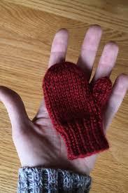 mitten ornament free knitting pattern purlsandpixels