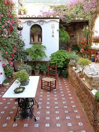Pictures Of Backyard Patios by Best 25 Mexican Patio Ideas On Pinterest Spanish Style Decor