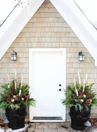 Front Door Planters by Best 25 Outdoor Christmas Planters Ideas Only On Pinterest