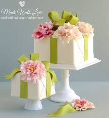 wedding cake gift boxes best 25 birthday present cake ideas on last minute
