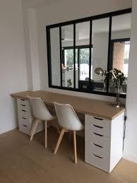bureau sur installation du plateau en bois et montage du nouveau bureau