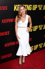 keeping up with the joneses isla fisher keeping up with the joneses la premiere 13 gotceleb