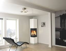 plain modern glass fireplace screen fits just right in this and