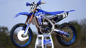 motocross bike videos dirt bike magazine 2018 yamaha yz450f yz250f first look