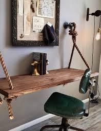 bureau suspendu en bois massif chaise vintage en cuir vert et