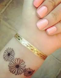 18 amazing flowers wrist tattoos