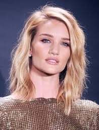 rosie huntington side parted lob spring hairstyle trends what s in and what s out textured lob