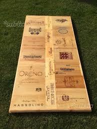 cassette vino tavolo artigianale in legno con casse vino arredamento e