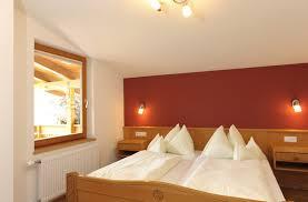 Schlafzimmerm El Eiche Regitnig 4 Hotel U0026 Chalets In Weissensee Urlauburlaub At