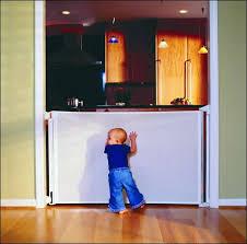 treppen kindersicherung kiddy guard das tür und treppenschutzgitter für schwierige
