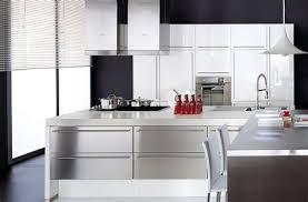 cuisine blanche mur aubergine cuisine blanche mur aubergine 11 meuble cuisine laqu meuble de