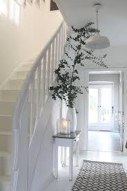 weiãÿe treppe die besten 25 treppe weiß ideen auf weiße treppe
