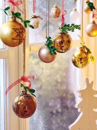 Macy S Christmas Window Decorations 2013 by Christmas Window Decoration Ideas Tree Ornaments Green Twigs