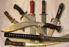 bowie knife vs kukri knife what s your fighting knife a fighting knife should be a big part of your bug out preparations but it