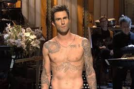 adam levine engaged to victoria u0027s secret model billboard