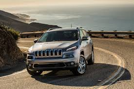 jeep boss mike manley confirms jeep cherokee won u0027t lose its styling in refresh