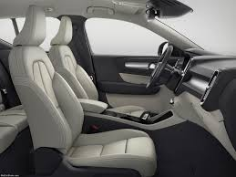volvo xc40 2018 picture 35 of 70