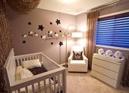 baby wandgestaltung kinderzimmer baby braun beige amocasio