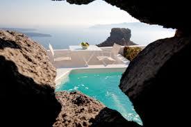 grace un hotel volcánico excavado en un acantilado de santorini