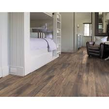 Discontinued Laminate Flooring Flooring U0026 Rugs Excellent Shaw Laminate Flooring For Home