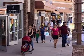 Phoenix Premium Outlets Map by Store Managers Shoppers Caught Up In Outlet Mall Excitement