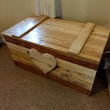 home dzine home diy toy box made from pallet wood