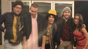 halloween party si zentrum is barb coming back stranger things season 2 will return for