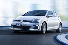 seven things you need to know about the facelifted 2017 vw golf by