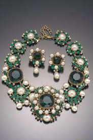 emerald green fashion necklace images Vintage costume jewelry love balenciaga emerald green necklace jpg