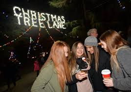 crowds flock to walk night on christmas tree lane the fresno bee