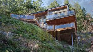 unique houses on sloping ground hillside homes youtube