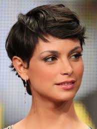 short hairstyles for growing out a pixie cut