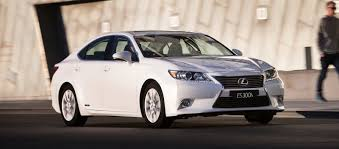 lexus es300h cost of ownership lexus es pricing and specifications photos 1 of 15