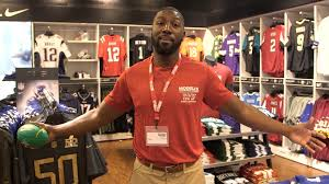 Modells Greg Jennings Modell U0027s Undercover Associate Youtube