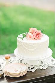small wedding cakes 37 one tier wedding cake will your guests mouths watering