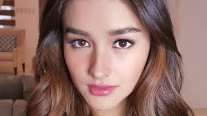 hair color for pinays liza soberano s caramel hair color will convince you to go light