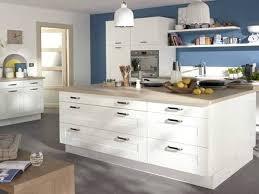 cuisine blanche sol gris deco cuisine blanc et bois cuisine blanche et bois on decoration d