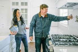fixer upper stars chip and joanna gaines announce final season